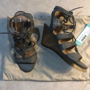 Report Scout Ghilly Lace-Up Wedge, 6.5